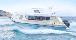 QUICKSILVER 905 CAPTUR PILOTHOUSE